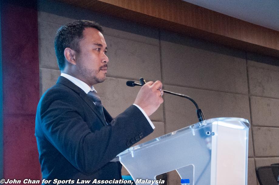 Encik Azman Fahmi sharing his vision of the future of Malaysian stadiums.